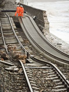 Not Worcestershire or the Severn- but workers inspect rail tracks at Dawlish after the Devon railway collapses into the sea due to the heavy flooding. River Severn, Weather Storm, Huge Waves, Safety Posters, Devon, England, Spanish Armada, Storms, Sustainability