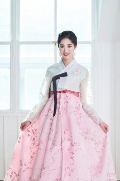 Korean Girl, Ulzzang, Tulle, Ballet Skirt, Entertainment, Kpop, Skirts, Fashion, Moda