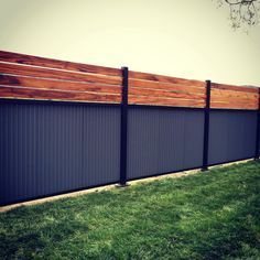 cool 60 Cheap DIY Privacy Fence Ideas https://wartaku.net/2017/06/02/60-cheap-diy-privacy-fence-ideas/