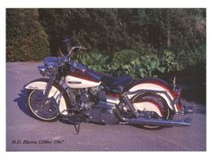 #harley davidson road king classic #harleydavidsonroadkinggirls #harleydavidsonroadkingcustom #harleydavidsonroadkingwatches #harleydavidsonroadkingapehangers #harleydavidsonroadkingart Harley Davidson Photos, Harley Davidson Street Glide, Harley Davidson Bikes, Antique Motorcycles, Triumph Motorcycles, Road King Classic, Vintage Race Car, Dirtbikes, Cute Wallpaper Backgrounds