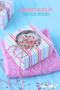 Love these printable cookie boxes! Would make great Valentine's Day gift boxes.