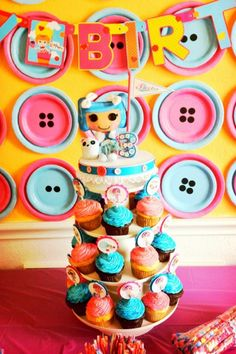 Lalaloopsy Party, disposable plates as button decorations