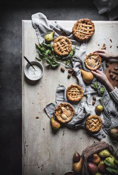 Easy Pear Pecan Creme Fraiche Mini Miniature Pies by Eva Kosmas Flores An easy and delicious recipe for pear pecan mini pies made with a creme fraiche custard, golden syrup, honey, and cinnamon baked in a flaky crust. Healthy Recipes On A Budget, Vegetarian Recipes Dinner, Pear Recipes, Mini Pies, Food For A Crowd, Cookies, Food Styling, Appetizer Recipes, Donuts