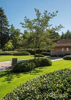 Farm Gardens, Outdoor Gardens, Garden Renovation Ideas, Driveway Landscaping, Garden Makeover, Backyard Patio Designs, Garden Architecture, Garden Fountains, Contemporary Garden