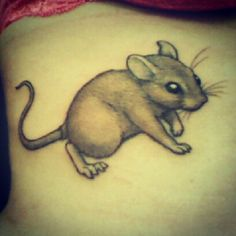 How Tattoos Really Work… At Least In Mice People have been getting tattoos for thousands of years, but we've never quite been sure why the ink sticks around… Mouse Tattoos, Girl Tattoos, Tatoos, Rat Tattoo, Cool Tats, Pet Rats, Irezumi, My Little Girl, Body Mods