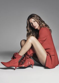 Photography Poses : Gisele Bundchen is the Face of Arezzo Fall Winter 2018 Collection - Dear Art Gisele Bundchen, Tom Brady And Gisele, Campaign Fashion, Blonde Beauty, Famous Brands, Runway Models, Lady, Harpers Bazaar, Photography Poses