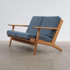 Covetable Things / Hans Wegner GE290 Sofa