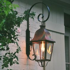 Belclaire House: Gas Lanterns