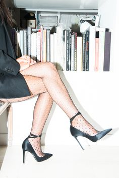 Because just when you think you've found a pair that'll hold, oh, hello giant crotch hole! http://www.thecoveteur.com/hosiery-guide/