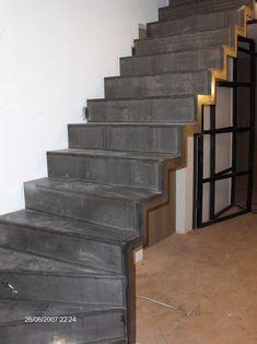 De meest bijzondere vormen kunnen met stalen trappen worden gemaakt, doordat staal een sterk en stijf constructiemateriaal is. Onder de mogelijkheden vallen ook zwevende trappen en bijzonder slanke trappen, al dan niet in combinatie met glas.