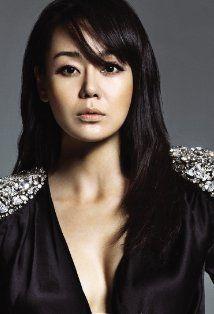 Se me olvidaba poner a Yunjin Kim :)