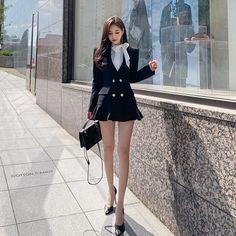 Women With Beautiful Legs, Beautiful Young Lady, Beautiful Asian Girls, Cute Casual Outfits, Sexy Outfits, Stylish Outfits, Fashion Outfits, Korean Fashion Dress, Korean Outfits