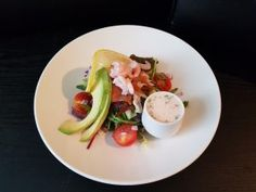 Created by Tameside NHS trust chef, Simon Smith, this Fruits de Mer salad with tangy pink goddess dressing is a lovely dish for a summer evening Dress Remove, Goddess Dress, Easy Food To Make, Nutritious Meals, Chef Simon, Healthy Eating, Dressing, Keto, Salad