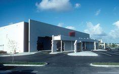 According to one survey, images of the BEST Products Showroom in Houston, Texas, designed by SITE (Sculpture in the Environment), appeared in more. James Wines, Las Vegas, Architecture Cool, Cities, Image Sites, Big Box Store, Walmart, Postmodernism, Site Design