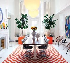 Jonathan Adler is known as the King of Happy Chic. What exactly is Happy Chic? Take a look through the interiors and products designed by Jonathan Adler Jonathan Adler, Room Inspiration, Interior Inspiration, Wedding Inspiration, Design Inspiration, Ficus Lyrata, Decoracion Vintage Chic, Chevron Rugs, Chevron Floor