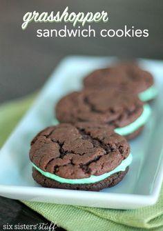 Cake Mix Grasshopper Sandwich Cookies Recipe | Six Sisters' Stuff | Bloglovin'