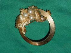 Vintage Sarah Coventry Brooch 1960's Endearing Circle Pin Pearl Beautiful! | eBay