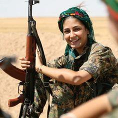 Il coraggio e la giovinezza di Asia Ramazan Antar, combattente curda uccisa dall #Isis - #donne