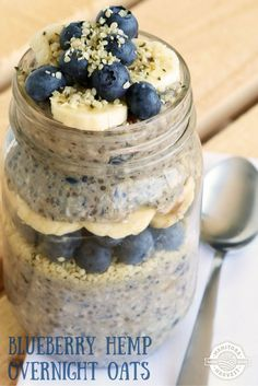 These Blueberry Hemp Overnight Oats are really delicious! They're full of Hemp Hearts, blueberries, almond milk, chia seeds and oats! Overnight Oats In A Jar, Blueberry Overnight Oats, Blueberry Oatmeal, Portsmouth, Hemp Seed Recipes, Hemp Recipe, Vegan Recipes, Snack Recipes, Oatmeal Recipes