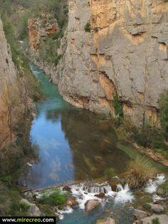 Toda una maravilla de la naturaleza. Estrecho de Chillapajaros, Montanejos,  Castellon   #montanejos   #chillapajaros   #turismo   #tourism   #viajes   #travels   #excursiones   #trips   #castellon   #comunidadvalenciana   #mirecreo   #escalada