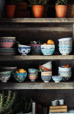 Home Design Ideas: Home Decorating Ideas Bohemian Home Decorating Ideas Bohemian Mismatched Anthropologie saucers, mugs and dessert plates. Not your Grandmother'. Sweet Home, Deco Boheme, Decoration Inspiration, Decor Ideas, Decorating Ideas, Decorating Kitchen, 31 Ideas, Best Dishes, Kitchen Shelves