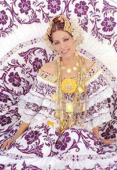 """El Traje Tipico de PANAMA """"LA POLLERA"""" --- the color purple"""