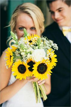 {Bright & Cheerful Bouquet Of: Yellow Sunflowers, White Roses, White Snapdragon, & White Gypsophila (Baby's Breath)····································}