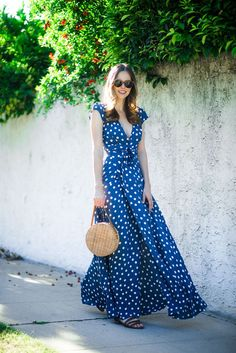 40 ideas for style inspiration spring polka dots Look Fashion, Trendy Fashion, Dot Dress, Dress Up, Polka Dot Summer Dresses, Casual Dresses, Fashion Dresses, Moda Casual, Maxi Wrap Dress