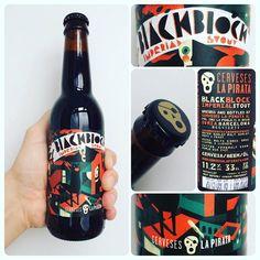 La Cerveza del Viernes: Black Block de @CervesaLaPirata. Sabor a cereales tipo avena a café licor. Cierto gusto dulce a regaliz y alto amargor bien integrado con el alcohol. Bestial!