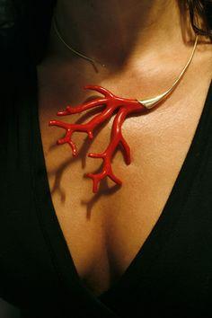 """Qu'est-ce que le Corail Rouge ?    Le corail rouge   """" corallium rubrum """"…"""