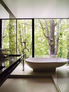 Browse photos of Luxury Bathroom. Find ideas and inspiration for Luxury Bathroom to add to your own home. Big Bathtub, Modern Bathtub, Bathroom Modern, Nature Bathroom, Black Bathtub, Standing Bathtub, Wood Bathtub, Serene Bathroom, Tub Tile