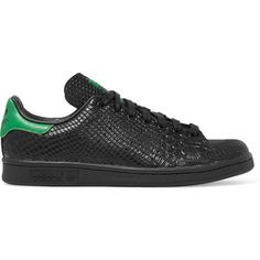 Adidas Originals Stan Smith snake-effect leather sneakers (£80) ❤ liked on Polyvore featuring shoes, sneakers, black, leather sneakers, lace up sneakers, black trainers, adidas originals shoes and black shoes