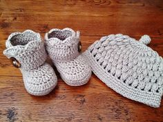 Baby Booties for Newborn to 12 months by BeautiWoolDesigns on Etsy
