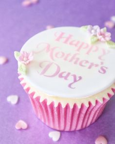 Mother's Day Cupcake 💗 | instagram.com/laurascakes_x Ombre Effect, Lilac, Pink, Around The Corner, Love Design, Cupcake Toppers, Cakes, My Love, Create