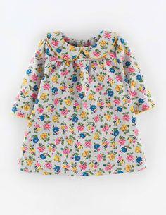 Hübsches Jerseykleid mit Kragen