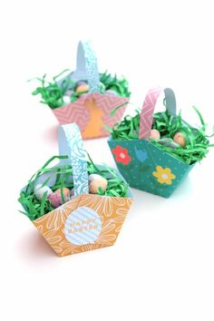 Make Easter Extra Special By Making Your Own Easy Easter Baskets To Hold Your Chocolate Eggs. A Fun Homemade Craft To Make With Kids. Design With Stickers To Make Unique Gift. Easter Activities, Easter Crafts For Kids, Bunny Crafts, Craft Stick Crafts, Crafts To Make, Easter Party, Easter Table, Easter Gift, Easter Decor