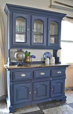 Heir and Space: The Mariner's Hutch