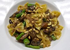 Chef Doug D'Avico presents Pasta with Duck Confit, Crimini Mushrooms, Asparagus and Parmigiano « Italian Food Lovers Food Now, I Love Food, Good Food, Duck Recipes, Meat Recipes, Game Recipes, Pasta With Duck Confit, Stuffed Mushrooms, Gourmet