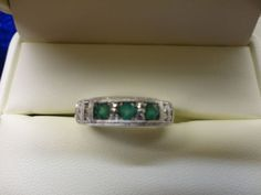 14K WHITE GOLD GENUINE DIAMOND & EMERALD BEADED RING, SIZE 6.5, BY JARED JEWELRY