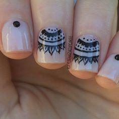 Henna Nails REALLY WANNA TRY THIS❣ Love the henna Idea