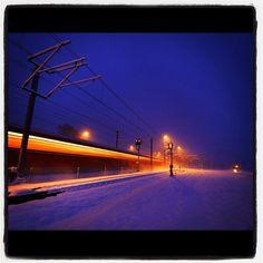 """@suesskindsgd's photo: """"#rhätische#bahn#rhb#graubünden#graubuenden#schweiz#switzerland#schnee#pendler#zug#train#power#signal#blau#morgenstunde#licht"""""""