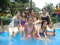 Last weekend I went with my family of camping to Chosica for celebrate the my  aunt  birthday. That afternoon I learnt to swin and drown me xD