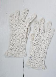 1950s crochet white gloves   vintage 50s white gloves   The Alice Gloves by VivianVintage8 on Etsy