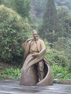 Tai Chi Statue by M.i.c.h.a.e.l.Z, via Flickr