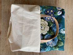 Gratis mønster på Multi-kurv. - Annekakadu.dk Floral Tie, Burlap, Reusable Tote Bags, Textiles, Accessories, Tips, Scrappy Quilts, Baggers, Hessian Fabric