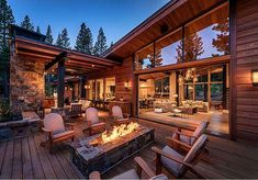 Modern mountain house perfect for entertaining in Martis Camp - Die Architektur - Architecture Modern Mountain Home, Mountain Homes, Modern Lodge, Mountain Living, Modern Rustic, Log Homes, Modern House Design, Backyard Patio, Future House