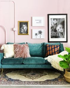 Home Design Living Room Teal Living Rooms, Cute Living Room, Design Living Room, Living Room Interior, Living Room Furniture, Cozy Living, Living Room Wall Colours, Art In Living Room, Living Room Gallery Wall
