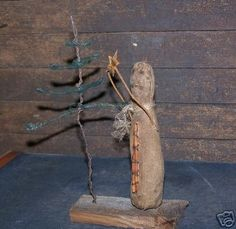 "A ""grungy"" Christmas. primitive snowman and prim tree Primitive Christmas Decorating, Primitive Snowmen, Prim Christmas, Christmas Past, Primitive Crafts, Country Christmas, Winter Christmas, Vintage Christmas, Christmas Crafts"