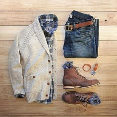 Cozy cardigans and boots that mean business. Boots: Smooth Waxy Mohawk Cardigan: J.Crew Shirt: Grayson Griffin Socks: American Trench Random Plate in cotton Belt/Bracelet: Watch: TSOVET Denim: RRL Ralph Lauren by Komplette Outfits, Casual Outfits, Men Casual, Fashion Outfits, Casual Wear, Casual Shirt, Casual Fall, Fashion Boots, Fashion Mode