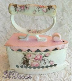 1 million+ Stunning Free Images to Use Anywhere Decoupage Vintage, Antique Iron, Vintage Iron, Shabby Chic Pink, Shabby Chic Decor, Painted Milk Cans, Fun Crafts, Diy And Crafts, Deco Paint